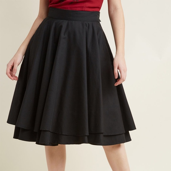 86c8919579 ModCloth Black Midi Circle Skirt. M_5a93b00b46aa7cbb532ad2d7